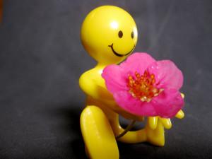Buig de klaagcultuur op je werk om met vriendelijk gedrag